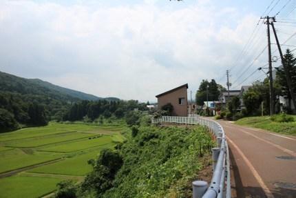 高田から妙高高原に続くだらだらした坂道.jpg